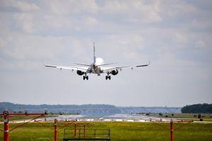 plane landing on google